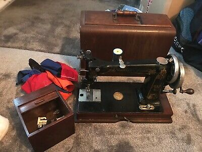 Antique Wheeler and Wilson D9 sewing machine circa 1895