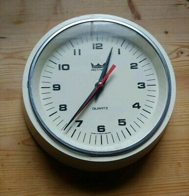 Vintage  Smiths Astral Quartz Delhi Battery Wall Clock. 21Cm Cream