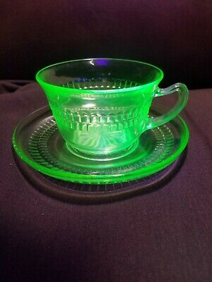 Vintage Hocking ROULETTE/MANY WINDOWS Green Depression Glass, Cups with Saucers