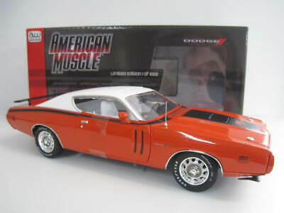Red  NEU /& OVP 1:18 Autoworld AMM1148 1971 Dodge Charger R//T Rot