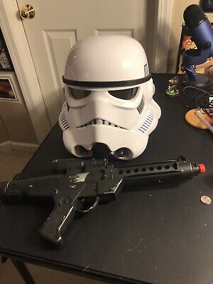 Star Wars Imperial Stormtrooper Electronic Voice Changer Helmet & Blaster