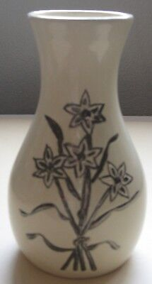 """Ceramics by Sally Pottery Vase Cream Six Point Flower Bundle 5 3/4"""" Signed"""