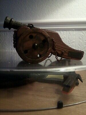 Artilleria imperial Carlos Spanish wooden miniature cannon hand carved & badge.