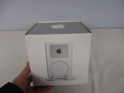VINTAGE APPLE iPOD SECOND GENERATION (A1019) WHITE IN ORIGINAL BOX