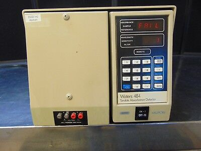 Waters Millipore M484 Tunable Absorbance Detector   Powers On   RH191Bx