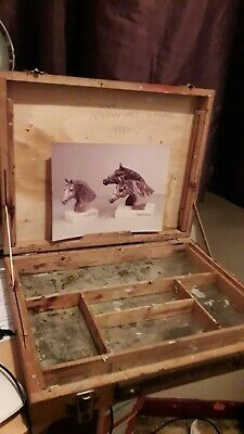 12 x 15 INCH WINSOR AND NEWTON VINTAGE ARTISTS BOX METAL INNER PICTURE HOLDER