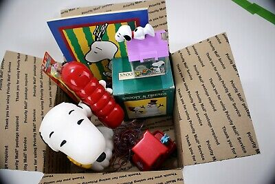 Vintage Peanuts Collectible Lot Box #1 Snoopy Phone, Figurine, Toothbrushes ++
