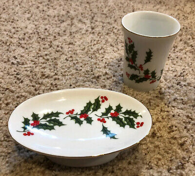 Christmas Holly Berry Fine China Japan Soap Dish Tray And Cup Kitchen Bathroom
