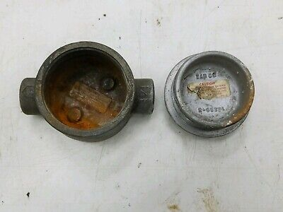 """CROUSE-HINDS TYPE EAB CONDULET OUTLET BOX  two 3/4"""" hubs  - used good"""