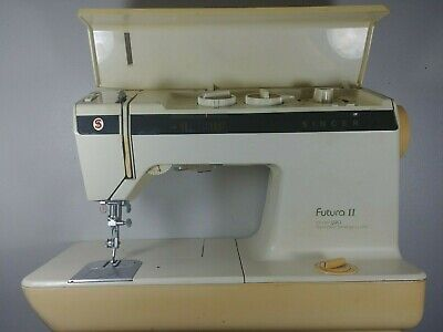 Vintage Singer Futura 2 Model 920 Collectible Sewing Machine FREE SHIPPING