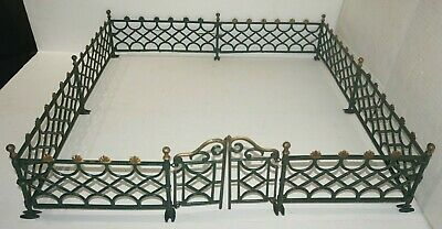 Circa 1890 Antique Victorian Cast Iron Train Toy Layout Fence