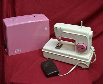 VINTAGE SEARS Singer Junior Miss Sewing Machine 67-B Child Toy * UNTESTED