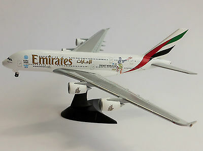"""Emirates Airbus a380 /""""Real Madrid/"""" NUOVO Herpa 529242-1:500 OVP"""