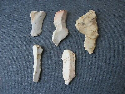 5 vintage stones arrowhead shaped great for pendants  crafts  jewelry making