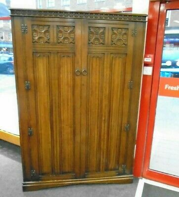 Vintage 1930/40's Solid Oak & Veneer Double Door Gothic Wardrobe - CS C42