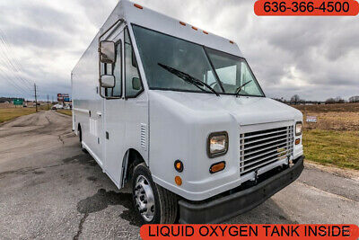 2006 Freightliner MT45 cargo rear ramp commercial liquid oxygen tank inside 5.9