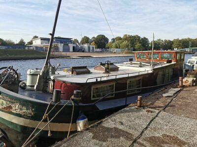 Dutch Barge 45ft x 12ft (with possibility of mooring in Hampton)