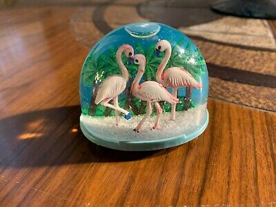 VTG Plastic PINK FLAMINGOS Florida Tropical Snow Globe Dome Souvenir Travel