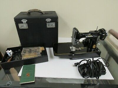 Singer Featherweight Portable Electric Sewing Machine # 221-1 w/Extras & Manual
