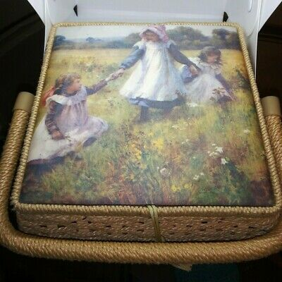 Vintage Singer Sewing Basket Wicker 8 inch Nice Prairie Days Pictorial