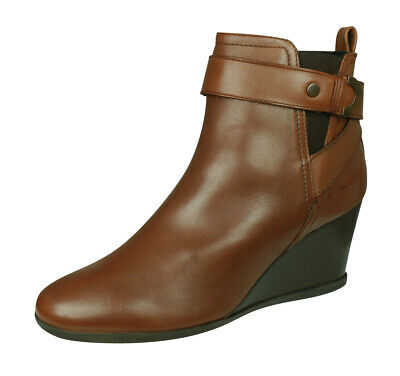 GEOX WOMEN'S D Inspiration Wedge C Ankle Bootie Chestnut