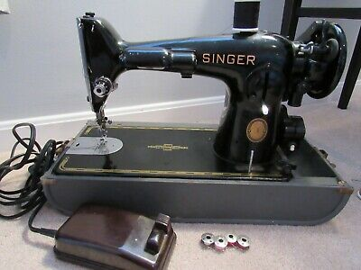 Vintage Antique Collectible The Singer Manufacturing Co AL375348 Sewing Machine