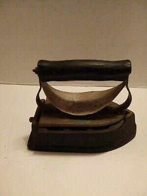 Antique Gas Iron Manufactured By The Monitor Sad Iron Co.