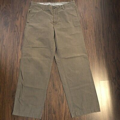 Gap khakis relaxed fit pants worn in size 34X 30 measuring 36W 30 L -stkX16