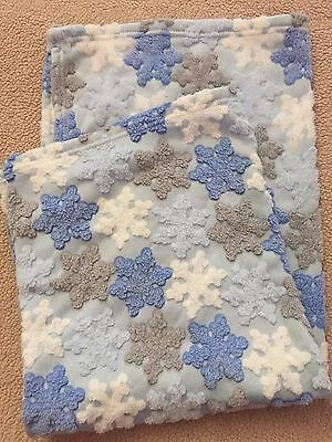 KYLE & DEENA SOFT BOUTIQUE BLUE WHITE Embossed Baby BLANKET LOVEY EUC  Snowflake