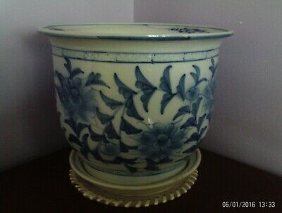 X/L Chinese Blue & White Flowers & Leaves Design Plant Pot & Saucer 27 Cms Dia
