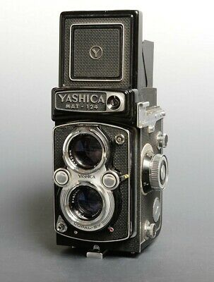Yashica MAT - 124  6x6 TLR (Rolleiflex Design) with Leather Case