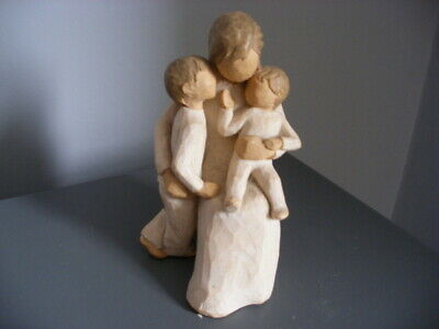 A Willow Tree Figurine - Quietly - Mother Child And Baby  412L