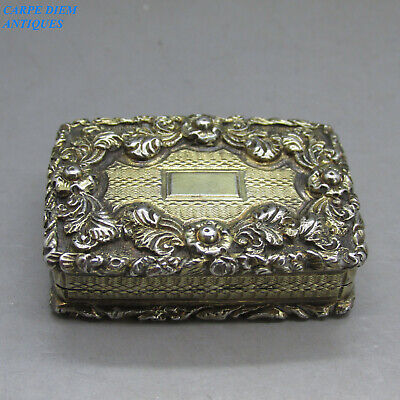 Antique Georgian Beautifully Chased Solid Sterling Silver Giilt Vinaigrette 1826