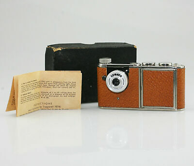 WALTER KUNIK Petie Vanity Camera c.1956 Brown Leather Design - Excellent (SZ48)