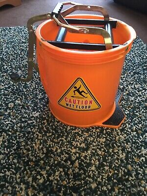 Morgan 14.5 Litre Mop Bucket On Castors With Easy Use Wringing System