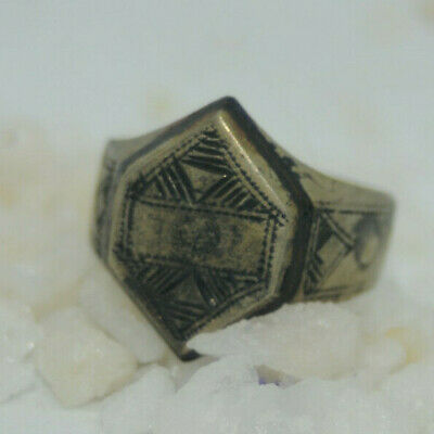 Highly Detailed Ancient Viking Legionary Ring Circa. 100 - 400 Ad Amazing ring
