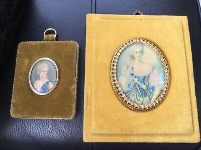 Two 1960 Mustard Col Velvet Picture Frames Vintage Pretty Victorian Ladies Style