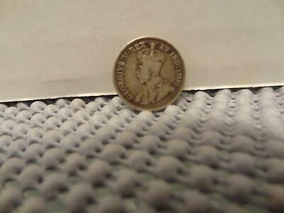 Nice 1911 Canada 5 Cents Silver Coin, Circulated and Ungraded