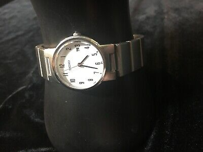 Vintage Seiko Women Automatic Watch Analogue Stainless Steel Band Needs Battery