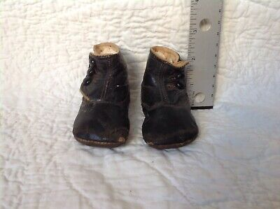 Antique victorian black leather baby boots/shoes w/ buttons