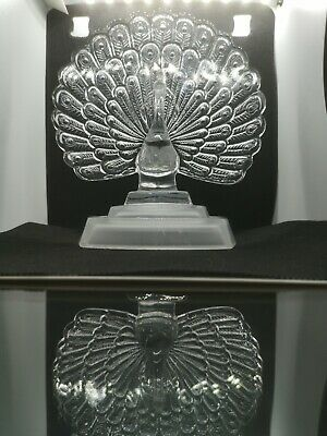 STUNNING French Crystal D'arques Glass Sculpture Peacock Feathers Frosted Base