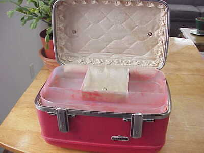 Vintage Red American Tourister Tiara Luggage Overnight Train Case With Key!!