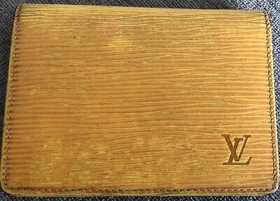 Louis Vuitton Card Case Epi Yellow Leather. Woman Authentic Used M1068 (Used)