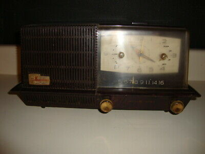 Vintage 1950's General Electric GE MUSAPHONIC Tube AM Radio Clock with Alarm