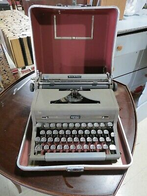 Royal Quiet Deluxe Portable Typewriter Gray - Black Keys - Carrying Case