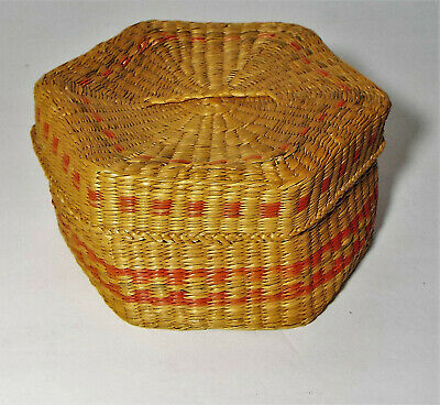"Vintage Lidded Woven Basket ""Secret"" Color Change Inside"