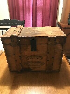 Rare Jose Cuervo Vintage Wood Chest Great for Bar or Man Cave 16 x 8 1/2 x12