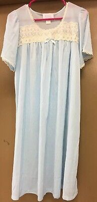 Vintage Ashley Taylor Woman's Nylon Light Blue Night Gown Size Large -Med/Long
