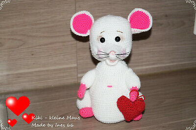 Lovely and Free Crochet Mouse Amigurumi Pattern! , in 2020 ... | 266x400