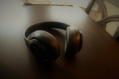 Beats by Dr. Dre Solo3 Wireless Over the Ear Headphones - Matte Black - GREAT!!!